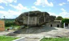 Itabi - Pedra do Urubu, Por silvania